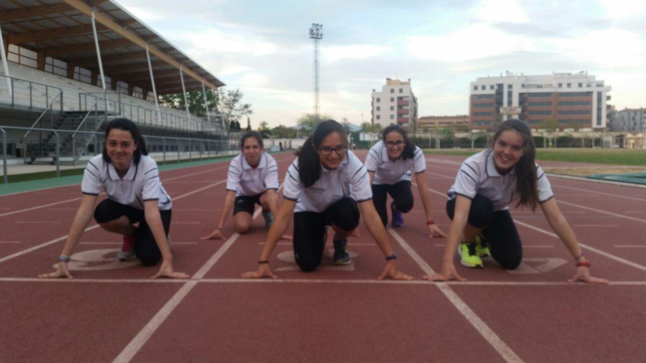Foto de Campeonato de La Rioja de los 10 km en ruta y La Rioja, representada en el VI Campeonato Divirtiéndose con el Atletismo